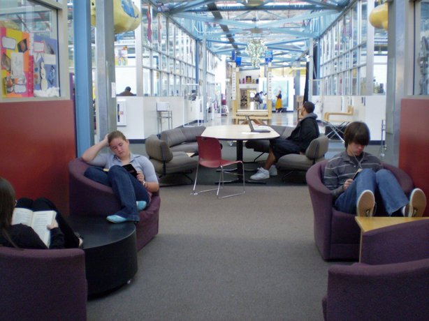 High Tech High in San Diego has a variety of spaces and furniture, giving students and work groups more flexibility for study and collaboration.