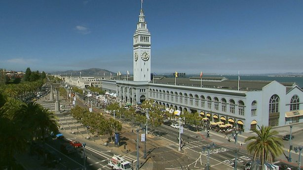 The San Francisco Ferry Building opened in 1898 and survived both the 1906 and 1989 earthquakes.