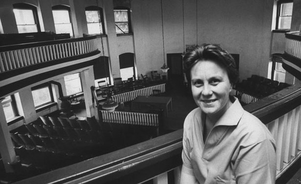 "Pulitzer Prize-winning ""To Kill a Mockingbird"" author Harper Lee in a local courthouse while visiting her home town."