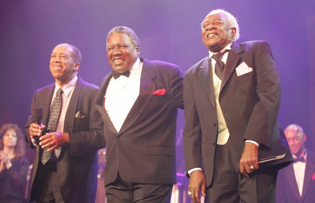 "Ben E. King, Charlie Thomas and Bill Pinkney, all lead singers of the original ""Drifters,"" reunite for this concert, one of Pinkney's last performances. He died in July 2007."