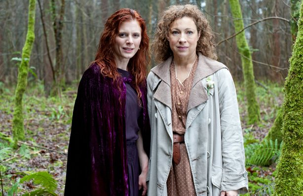 Emilia Fox as Lady Portia Alresford and Alex Kingston as Dr. Blanche Mottershead in UPSTAIRS DOWNSTAIRS. Hallam's Aunt Blanche appears in a lesbian novel by a former lover, sparking a scandal that threatens the good name of Eaton Place. Meanwhile, Agnes's demands on the servants bring social worker to set her straight.