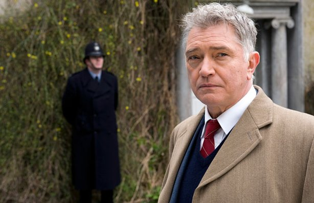 Award-winning actor Martin Shaw stars as Inspector George Gently  an incorruptible, uncompromising cop transplanted from Londons Scotland Yard to Englands North Country in the mid-1960s. 