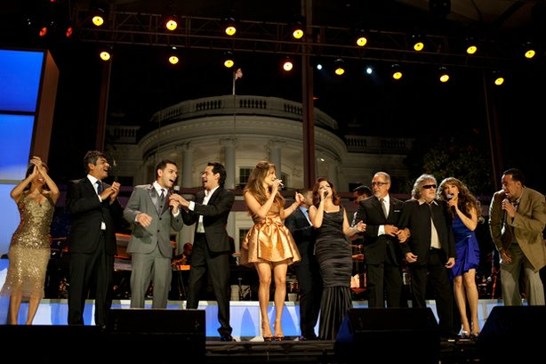 "The concert finale at the White House of the October 13, 2009 taping. Shown (l-r): Eva Longoria Parker, George Lopez, Tito ""El Bambino,"" Marc Anthony, Jennifer Lopez, Gloria Estefan, Emilio Estefan, José Feliciano, Thalía and Aventura member Anthony ""Romeo"" Santo."