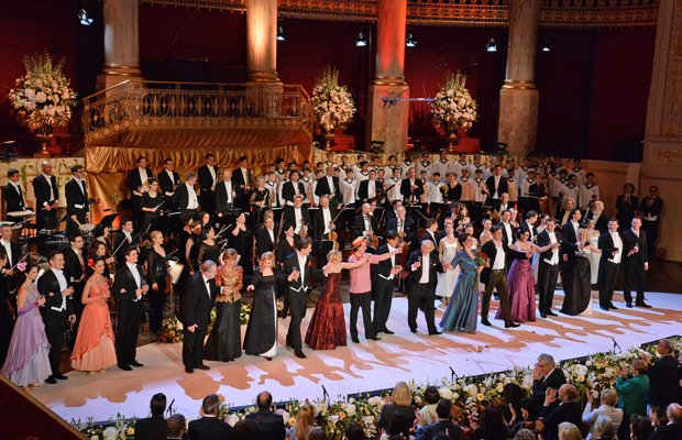 The cast, including the world-famous Vienna Boys' Choir, perform the grand finale,