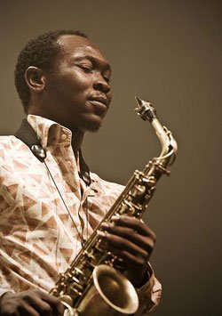 Image of artist Seun Kuti. 