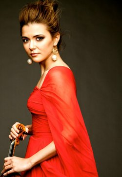 Image of Karen Gomyo, who will be performing Dvorks Sixth at the Copley Symphony Hall. 