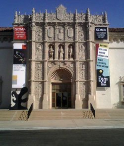 Exterior image of the San Diego Museum of Art located in Balboa Park.