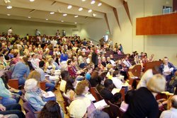 Image of people attending the First Unitarian Universalist Church of San Diego.