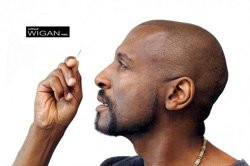 Image of artist Willard Wigan who will be at the San Diego Air & Space museum on February 25th.