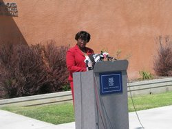 SDUSD Board President Shelia Jackson talks to reporters about Superintendent Grier&#39;s possible departure.