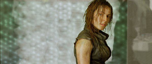 "Antje Traue in ""Pandorum"""