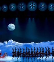 Santa&#39;s journey takes the audience from New York City to the North Pole.