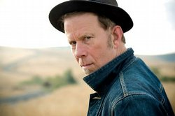 "Culture Lust contributor Andy Trimlett recommends Tom Waits new album ""Glitter and Doom Live."""