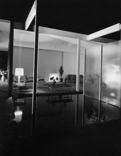 "Julius Shulman's photograph of Case Study Triad ""House B,"" taken in 1961. San Diego.  Architect: Killingsworth, Brady & Smith"