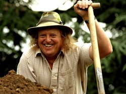 Phil Harding, archaeologist lends his expertise as the team explores digs at The Queen's gardens in the U.K. and at Jamestown, Virginia.