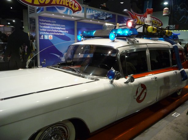Ecto-1 at Comic-Con. The lights were blinking on preview night but after that the folks at Mattel were told to turn their lights off.