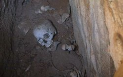 Human remains found inside a grave at the archeological site of Patallacta.