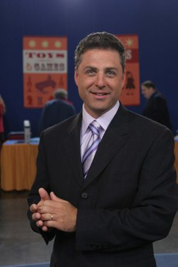 Mark L. Walberg, host of PBS&#39; &quot;Antiques Roadshow&quot;