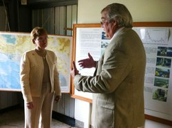 NOAA Director Dr. Jane Lubchenco (left) with HSWRI's Don Kent at Hubbs-SeaWorld Hubbard Marine Fish Hatchery in Carlsbad.