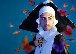 Juan Diego Flrez in the title role (in nun disguise) in Rossini&#39;s &quot;Le Comte Ory.&quot;