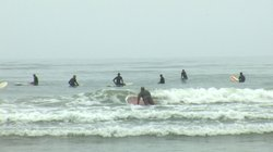 Surfers at San Diego&#39;s Tourmaline Surf Park