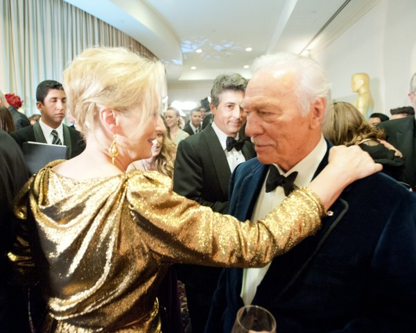 Best Actress winner Meryl Streep with Best Supporting Actor winner Christopher Plummer. Is that a look of disapproval on Mr. Plummer's face? Naw, he's British and too nice to be that honest.