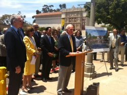 Mayor Jerry Sanders at a press conference Tuesday celebrating the City Council&#39;s approval of the Plaza de Panama project.