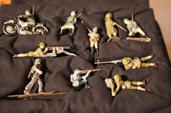 Did a Nazi spy buy these toy soldiers? Jim Wark asks HISTORY DETECTIVES Eduardo Pagn to find out.