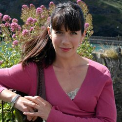 Caroline Catz stars as Louisa Glasson in the television series DOC MARTIN.
