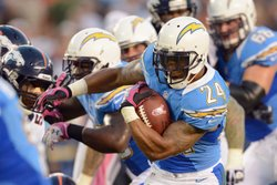 Runningback Ryan Mathews #24 of the San Diego Chargers runs the ball against the Denver Broncos during the NFL game at Qualcomm Stadium on October 15, 2012 in San Diego, California.