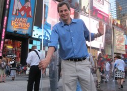 David Pogue puts human empathy to the test in Times Square.