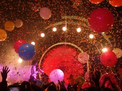 A typical Flaming Lips concert features costumed performers, balloons, and a lot of confetti. 