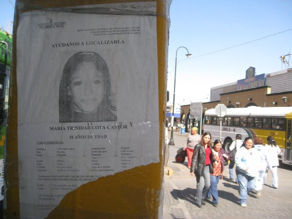 Another poster of missing young woman in downtown Ciudad Juárez.