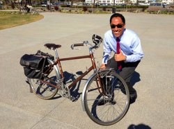 City Councilman Todd Gloria promotes the bike sharing program.