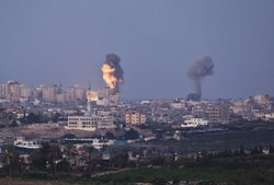 Smoke plumes rise over Gaza following Israel Air Force bombing on November 16, 2012 near Sderot, Israel. Conflict between the Israeli military and Palestian miltants has intensified over the last few days, with Israel striking some 130 targets overnight.