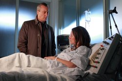 DCI Alan Banks (Stephen Tompkinson) visits Pamela Jeffries (Patricia Potter) in the hospital.