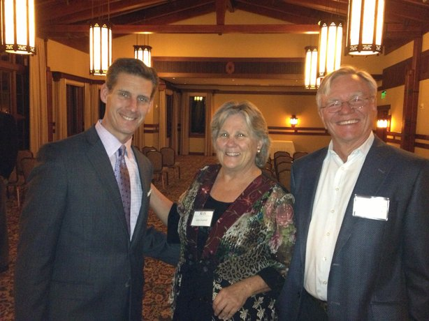 Marketplace host Kai Ryssdal with KPBS Producers Club members Lynn and Charlie Gaylord.