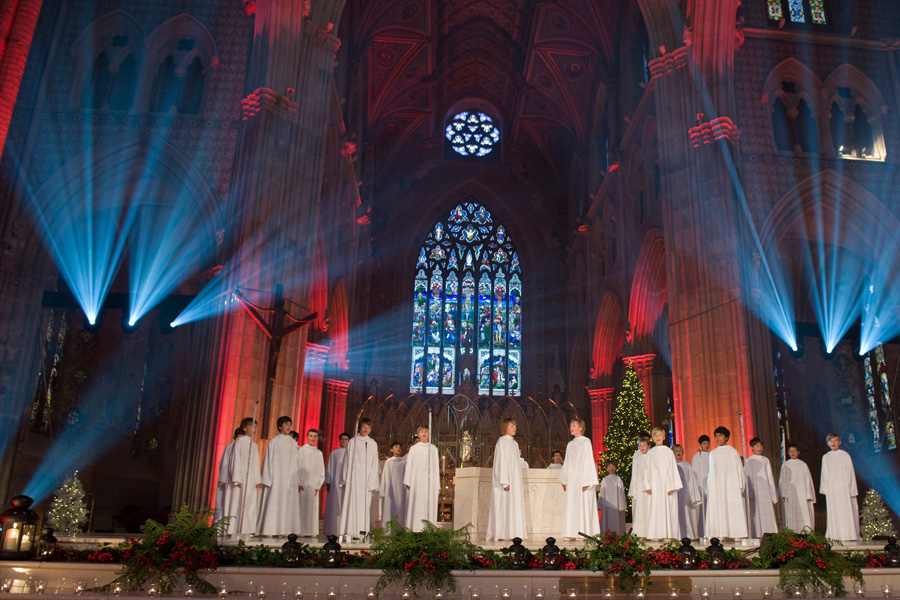 "[CD/DVD] ""Angels Sing - Christmas in Ireland"" - Page 6 LiberaAngels_church"
