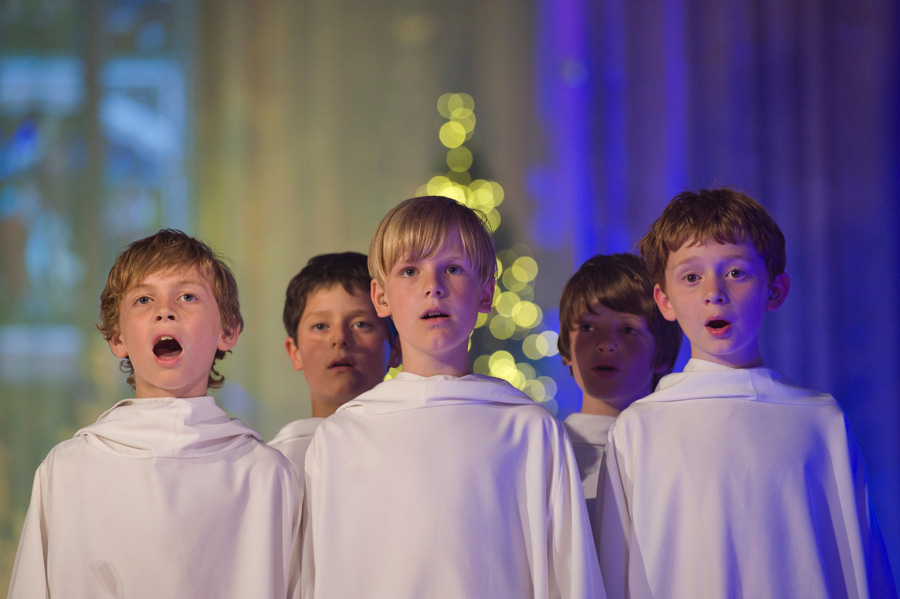 "[CD/DVD] ""Angels Sing - Christmas in Ireland"" - Page 6 Libera_CU"