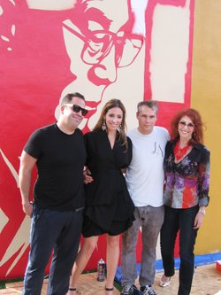 Tony Goldman&#39;s son Joey (far left) and daughter Jessica (center) pose with artist Shepard Fairey and their mother, Janet Goldman.