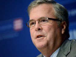 Former Florida Gov. Jeb Bush speaks to the media after being named Chairman of the National Constitution Center's Board of Trustees December 6, 2012 in Philadelphia, Pennsylvania.