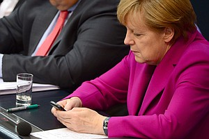 Germany Opens Formal Inquiry Into Tapping Of Merkel's Phone