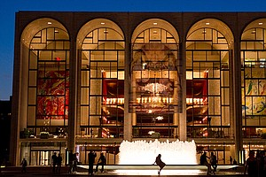 Met Opera Tentatively Settles With 2 Major Unions