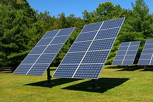 Solar Advocates Fight Utilities Over Grid Access