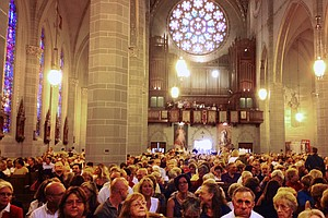 'Mass Mobs' Aim To Keep Pews Full At Old Churches