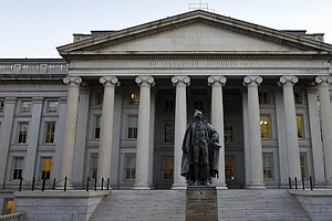 In 2014, U.S. Budget Deficit Falls To Pre-Recession Level