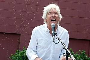 Keyboardist Ian McLagan Dies At 69
