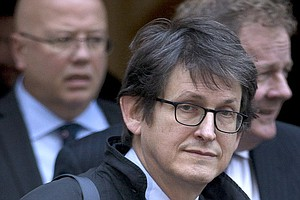 Alan Rusbridger, Editor Of 'Guardian,' To Step Down