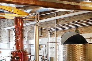 Ladies Lead Whiskey Renaissance As Distillers And New Tip...