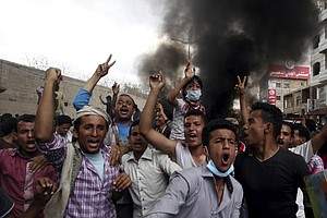 Yemen Descends Into Chaos As Foreign Minister Seeks Help ...